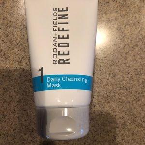 Rodan + Fields daily cleansing mask